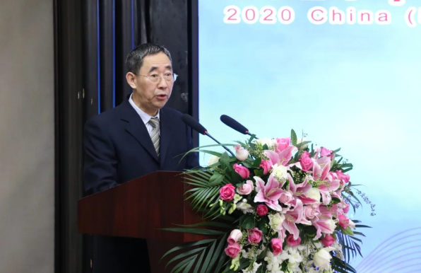 中国轻工业联合会副会长兼秘书长、中国陶瓷工业协会理事长杜同和 致辞