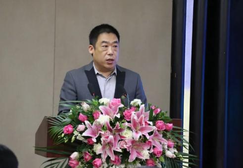中国陶瓷工业协会常务理事、中国陶瓷频道总经理岳超 发言